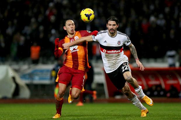 Ersan Gulum playing for Besiktas