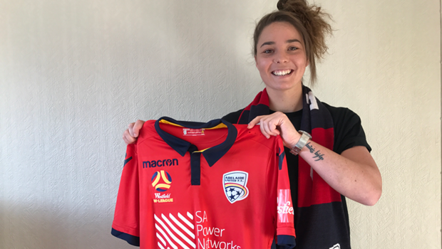 Jenna McCormick joins Adelaide United Women on a one year deal for the 2017/18 Westfield W-League.