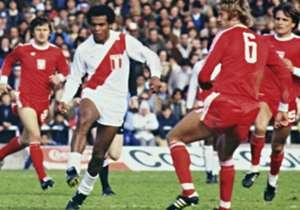 1) Teófilo Cubillas: 26 goles | Entre 1968 y 1982 disputó 81 encuentros con la Selección de Perú. Fue campeón de la Copa América de 1975.