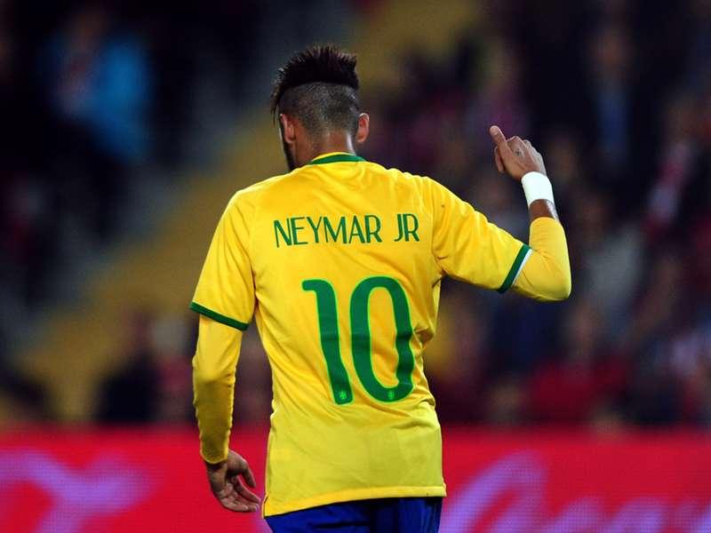 Romário elogia Neymar, mas afirma ser insuperável