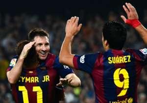 Neymar, Suárez y Messi lo hacen en cada partido de Barcelona. Antes, otros dejaron su mensaje futbolero. Aquí, un repaso por los especialistas.