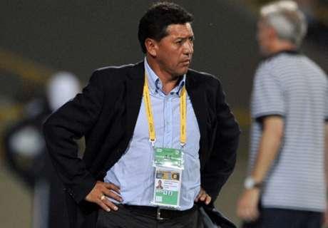 Equador demite técnico