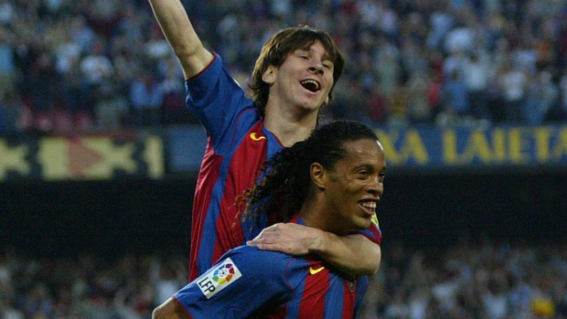 Messi: Ronaldinyo - futbol seni unutmaydi