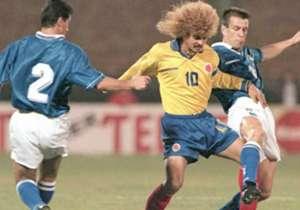 CARLOS VALDERRAMA | El histórico y mítco capitán de la Tricolor en el certamen continental. Disputó cinco copas (87, 89, 91, 93 y 95) en su primera participación opacó al mismísimo Maradona.