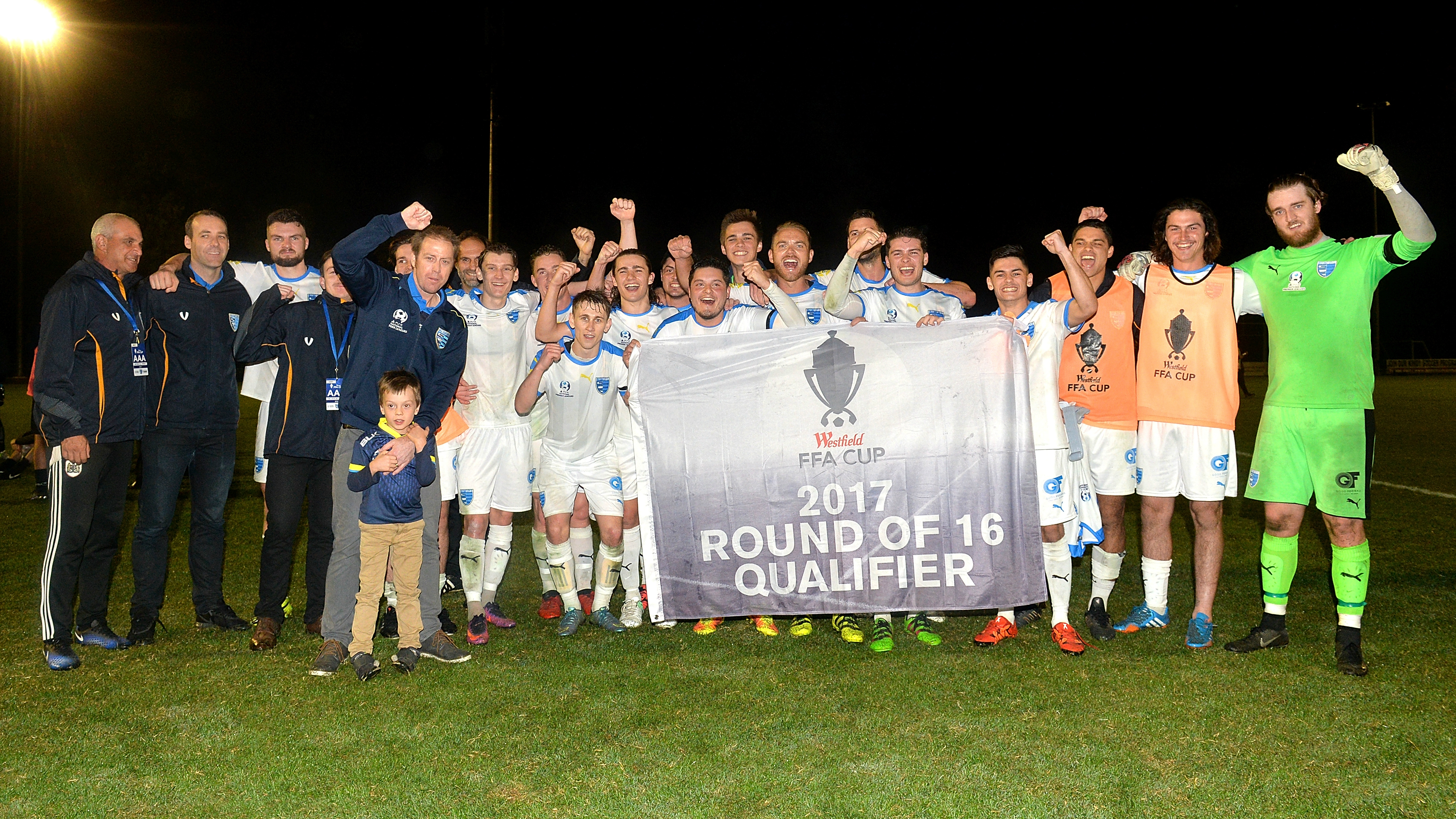 FFA Cup wrap: Adelaide stun Victory, Heidelberg United through on penalties