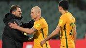 Ange Postecoglou acknowledges Aaron Mooy after Australia's win over Saudi Arabia.