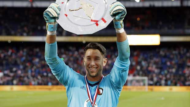 Jones the shootout hero as Feyenoord win Super Cup