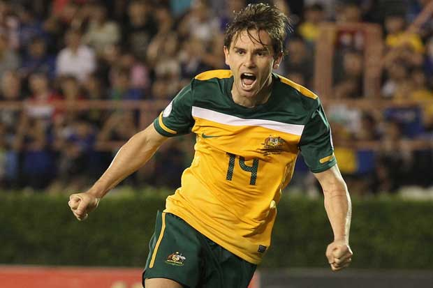 Holman to join Aston Villa