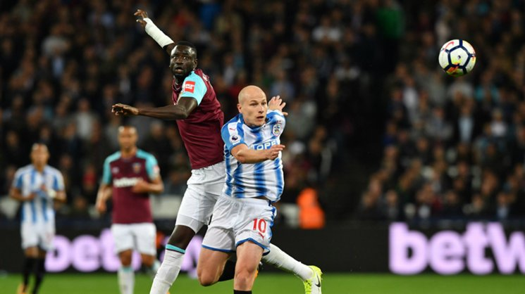 Aaron Mooy's Huddersfield Town were beaten in their EPL clash with West Ham 2-0.