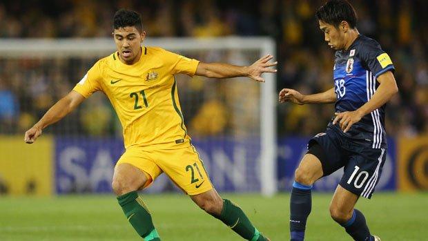 Caltex Socceroos midfielder Massimo Luongo and Japanese superstar Shinji Kagawa.