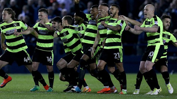 Huddersfield Town are through to the Championship Playoff Final after downing Sheffield Wednesday in a penalty shootout.