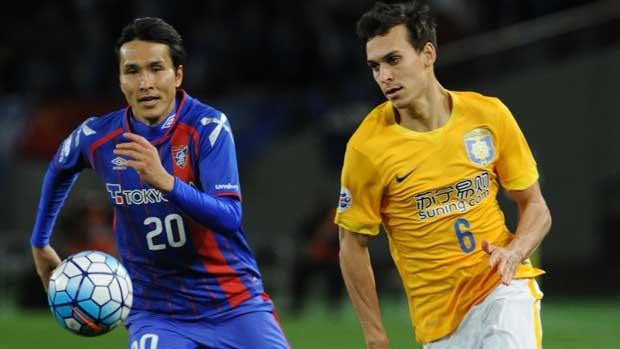 Caltex Socceroos defender Trent Sainsbury in action for Jiangsu Suning.