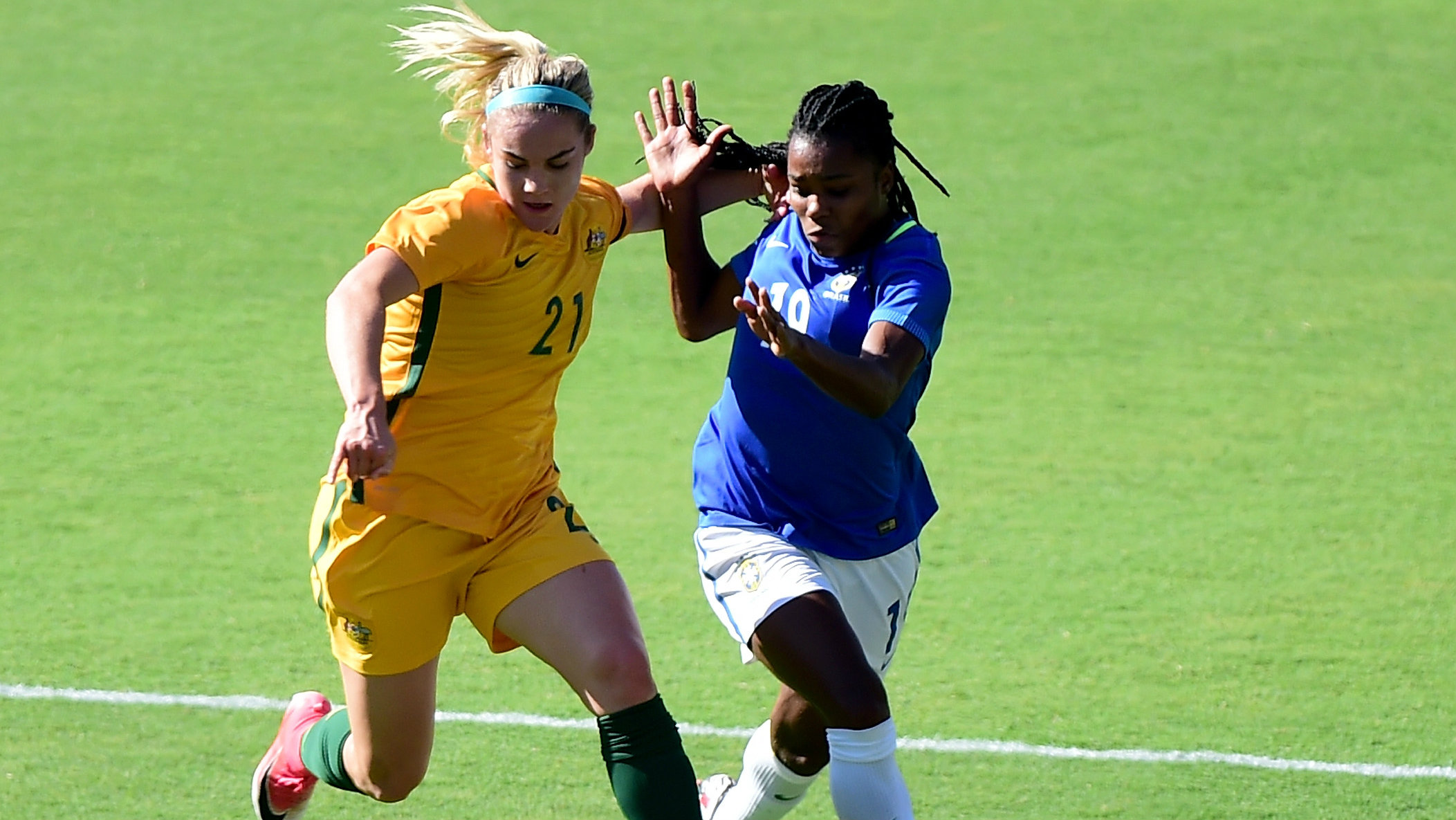 Ellie Carpenter has signed with Canberra United.