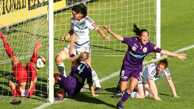 Perth Glory's Rosie Sutton celebrates the winner against Melbourne Victory