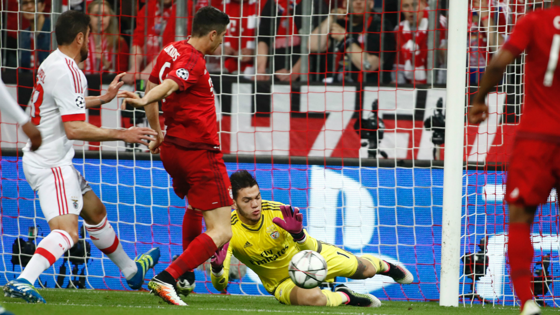Ederson Moraes Benfica Bayern