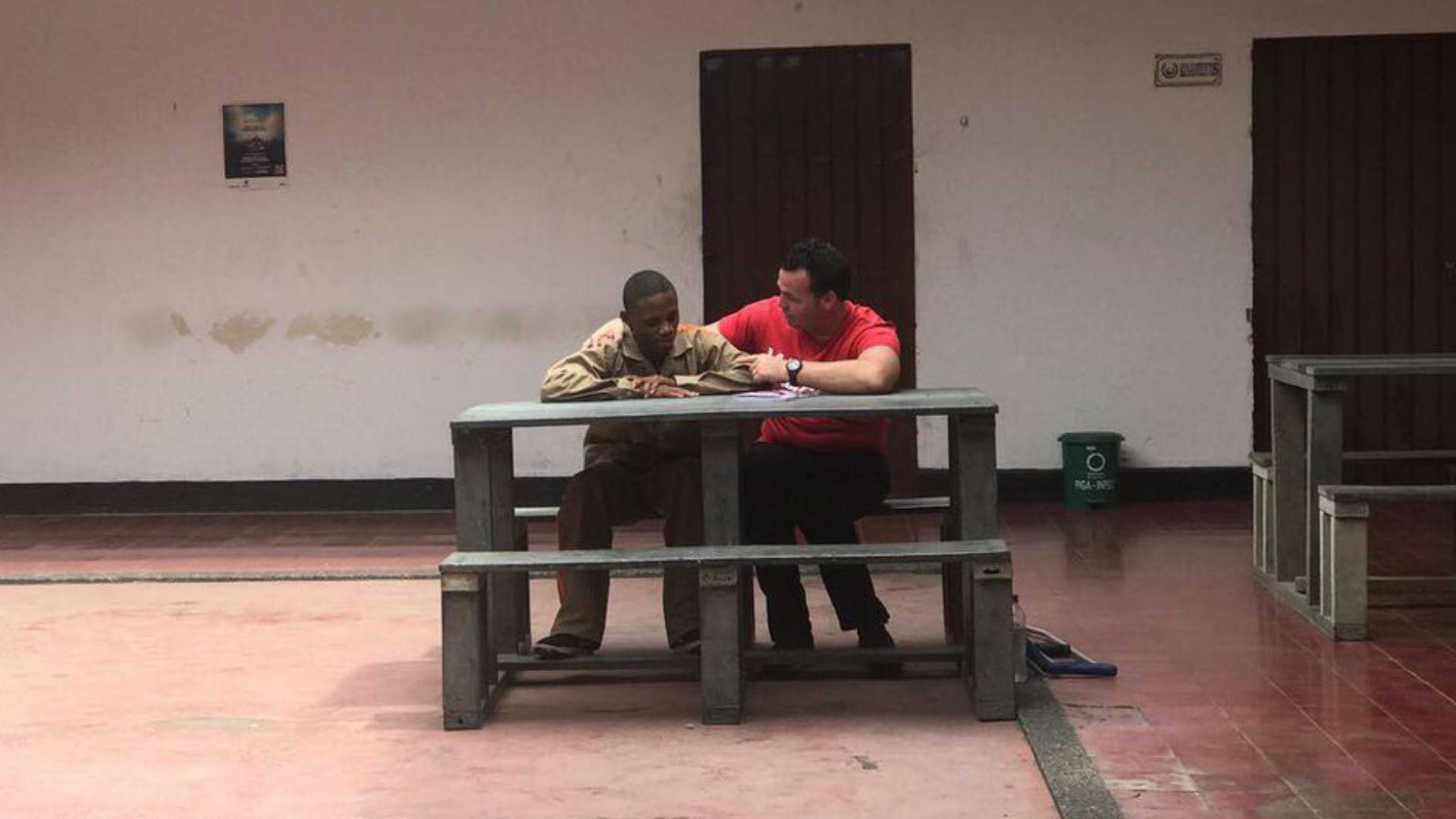 Alexis 'El Pulpo' Viera visita en la cárcel y perdona a su agresor