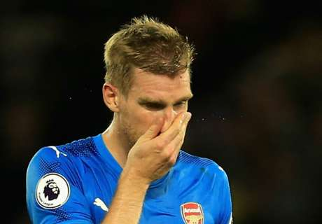 Mertesacker slammed for 'disrespecting' Arsenal