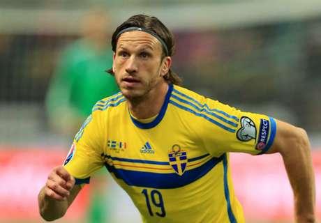 Seattle signs Svensson