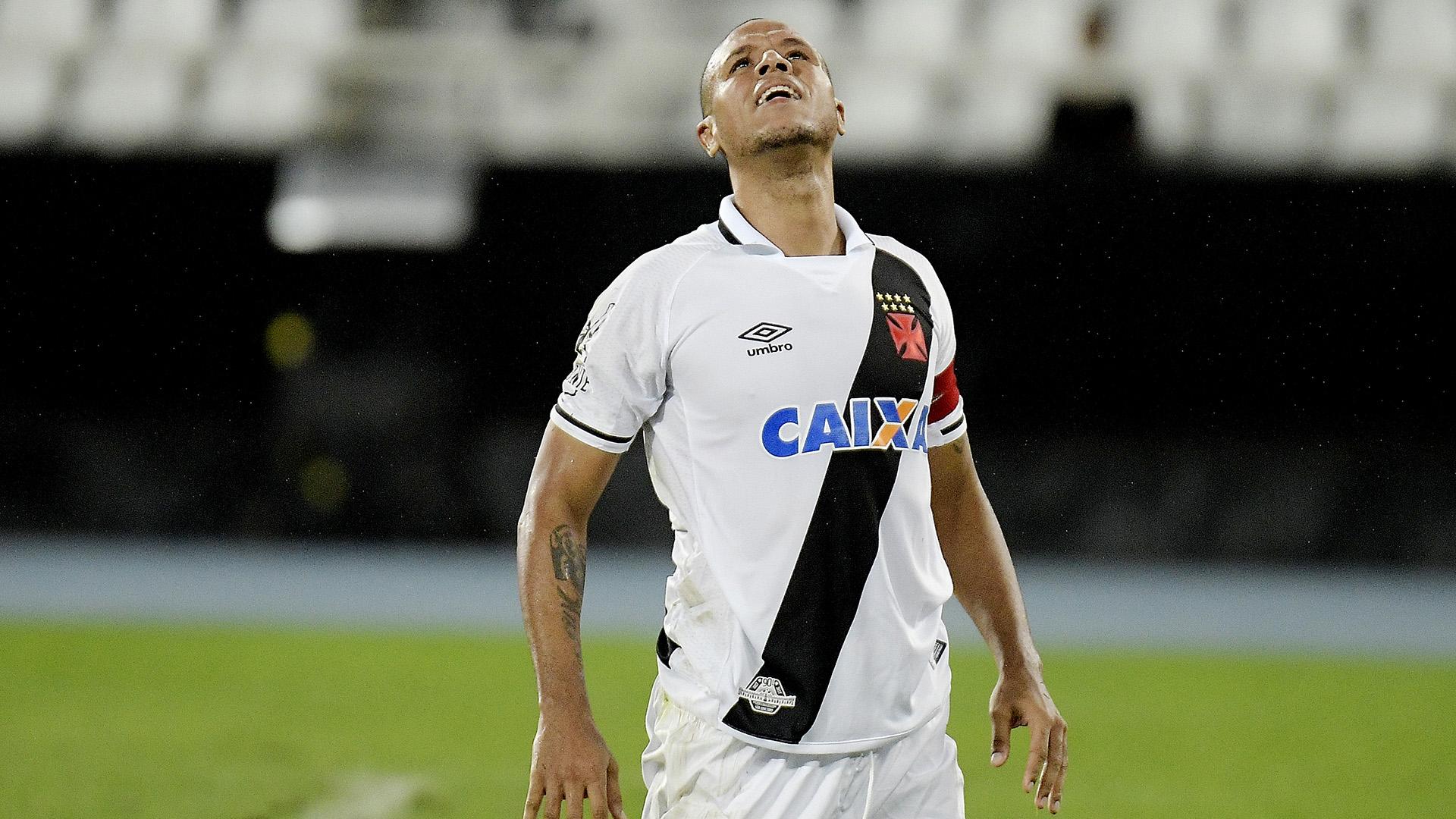 Vasco acerta contratação do argentino Andrés Rios, pretendido pelo Botafogo