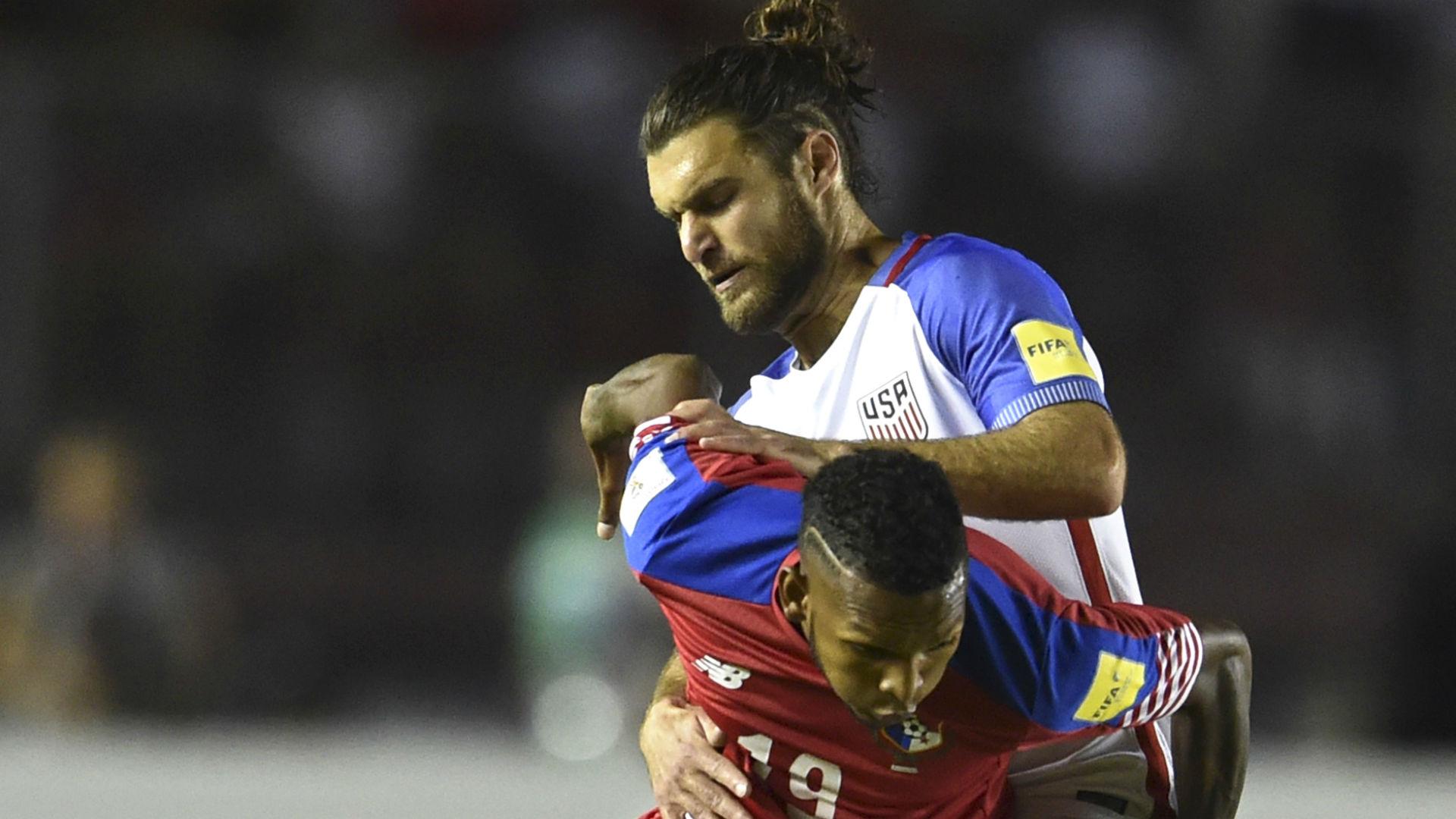 Graham Zusi Alberto Quinteros Panama vs. USA
