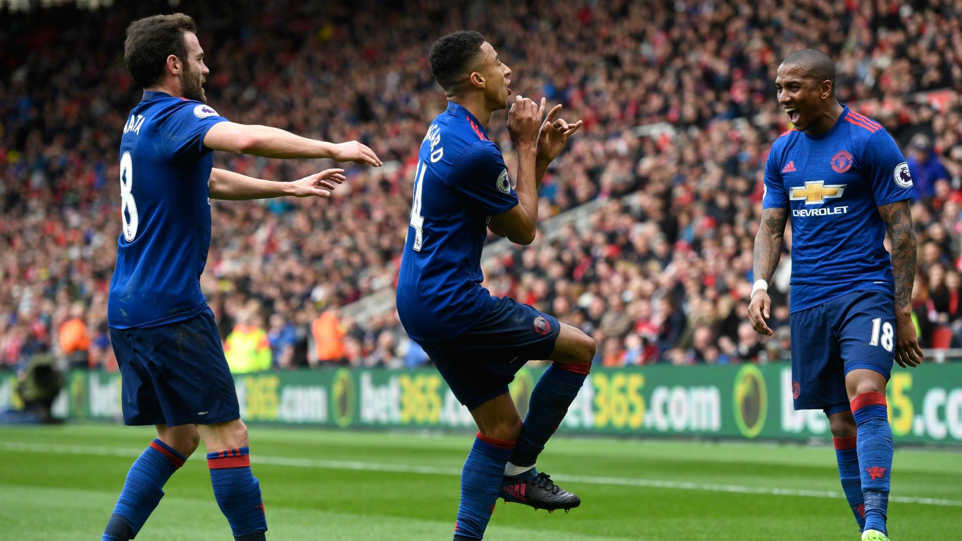 Valdes slip secures United win