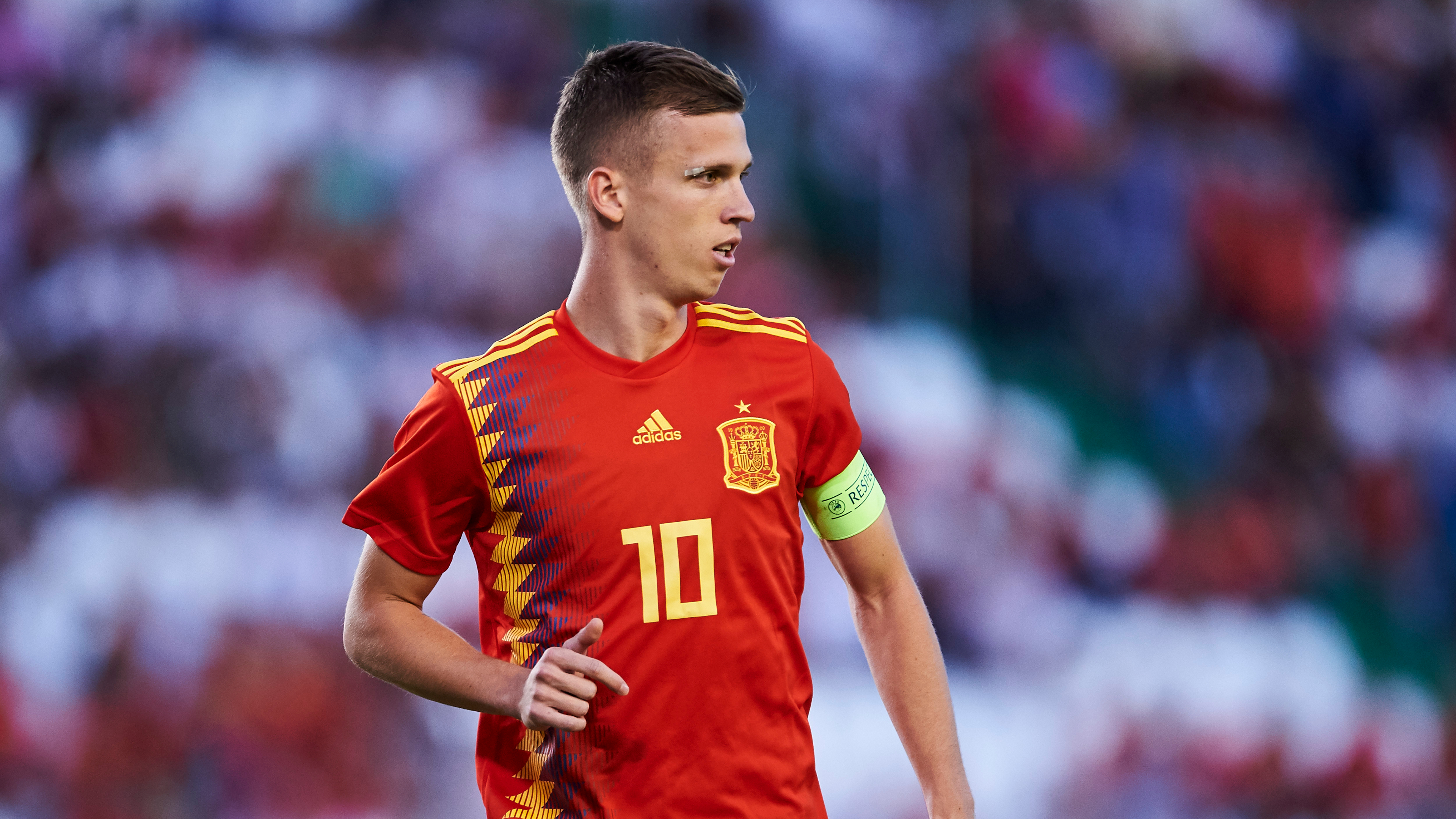 'He's ready!' - Man Utd and Barcelona-linked Olmo tipped to join European elite by Dinamo boss