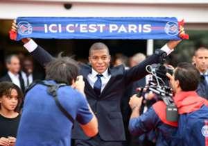 以1.8億歐元價錢「先借後買」的超新星麥巴比,正式在巴黎聖日耳門與傳媒見面,成為身價最高的年青球員。