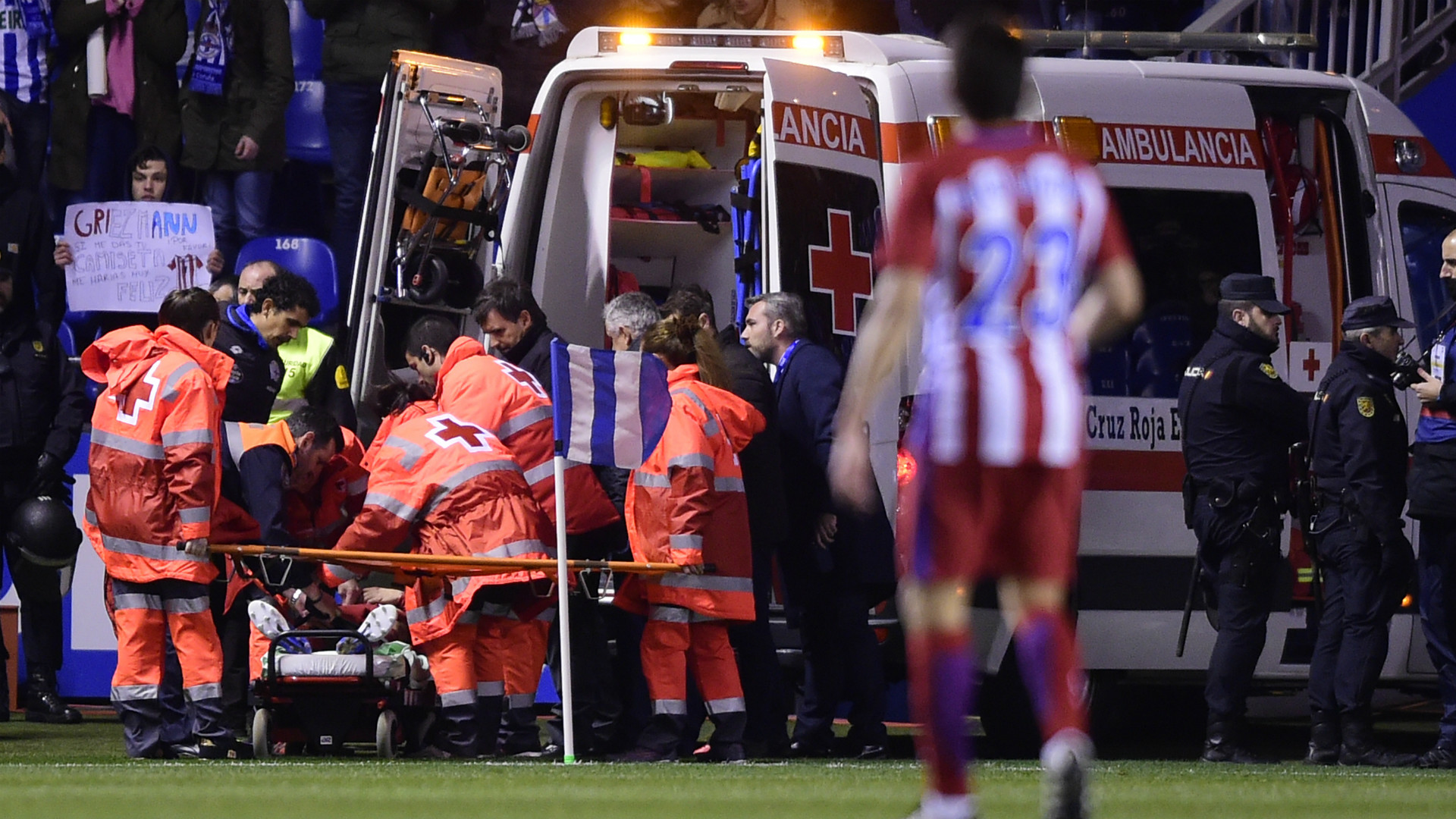 Atletico Madrid's Fernando Torres Suffers Scary Head Injury During Match