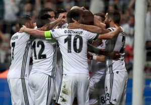 Beşiktaş, Şampiyonlar Ligi'nde gruptan lider çıktı ve diğer grupları ikinci sırada bitiren takımlardan biriyle eşleşecek. İşte siyah-beyazlı ekibin muhtemel rakipleri...