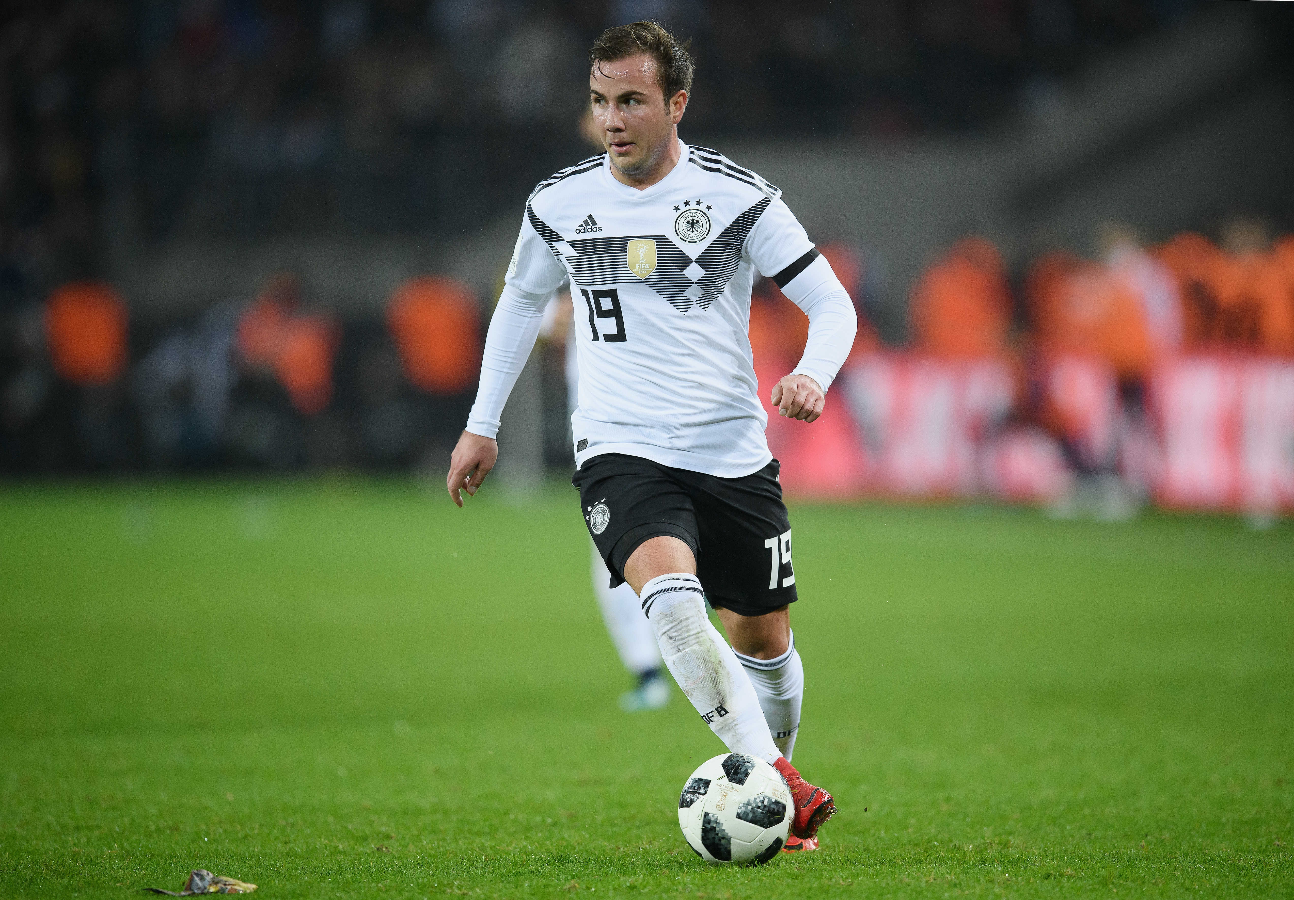 VIDEO: The evolution of dribbling and control with Mario Gotze