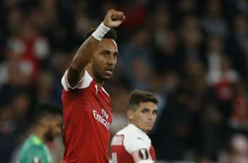 Aubameyang powers Arsenal past Vorskla