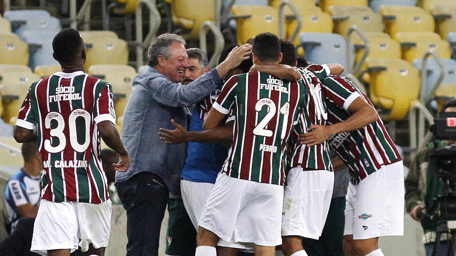 Fluminense tenta manter boa fase contra a Chapecoense