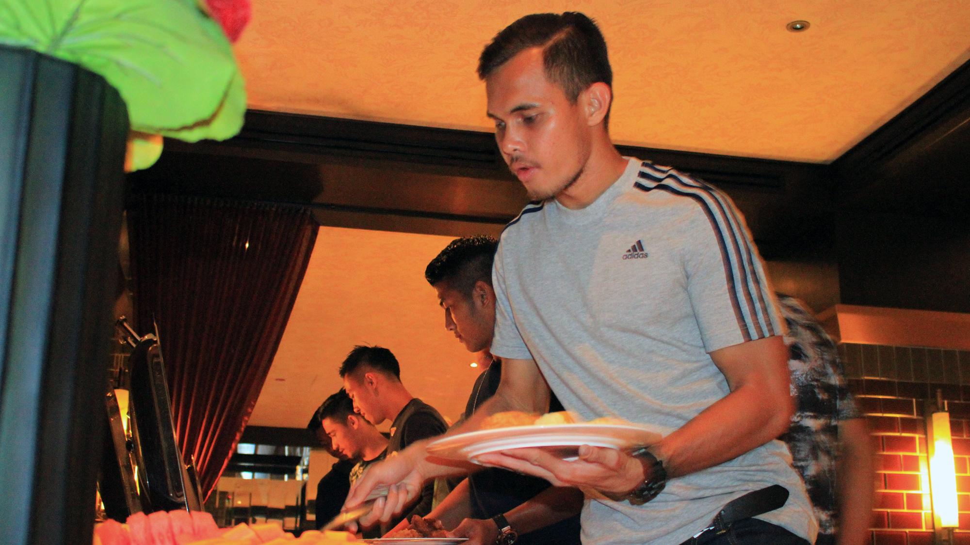 Rezaldi Hehanusa - Indonesia U-23 Makan