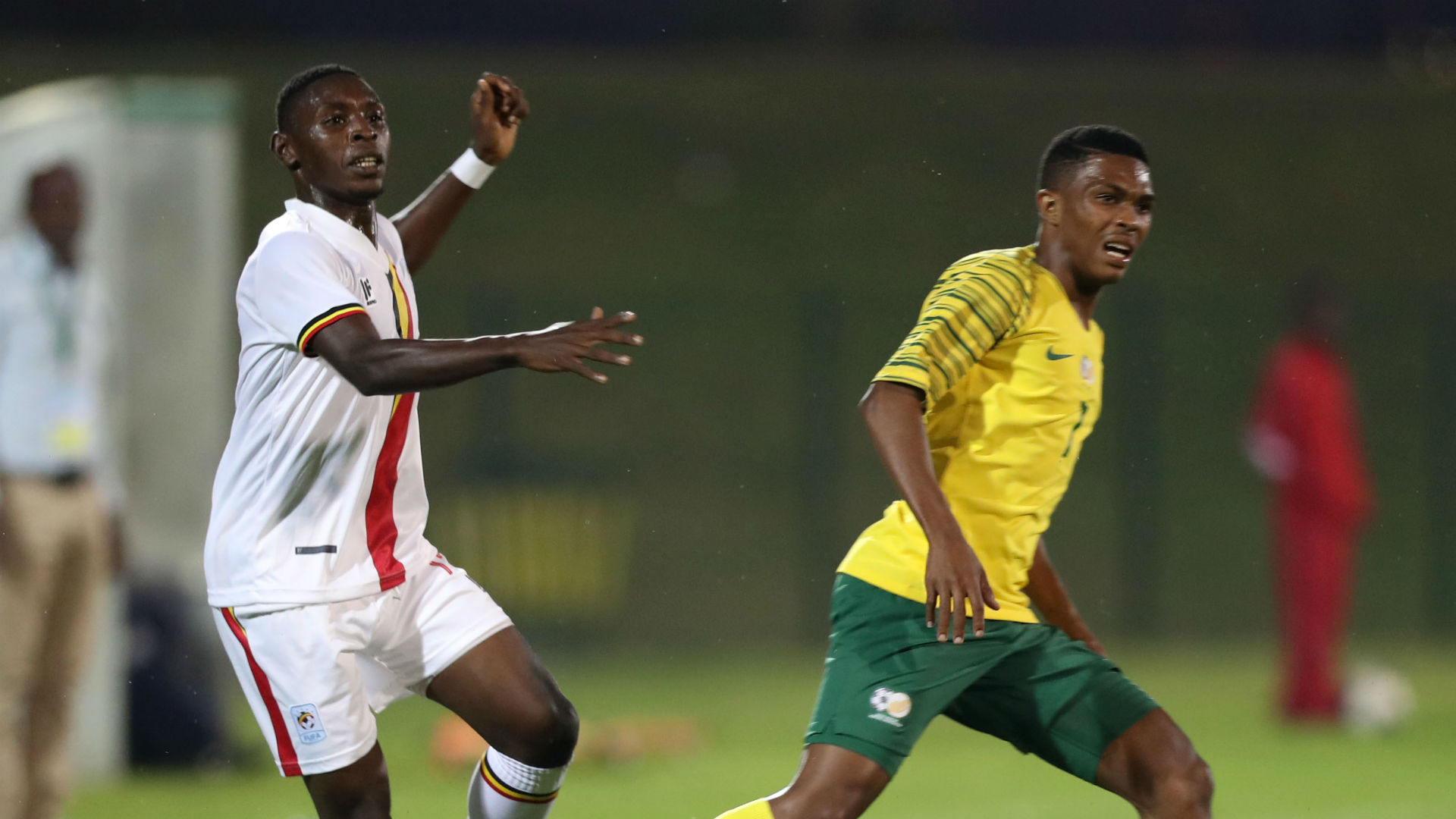 Bafana Bafana will improve if more South Africans play overseas - Gift Links