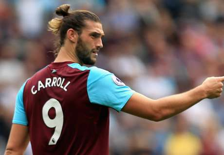 Moyes plays down Carroll to Chelsea talk