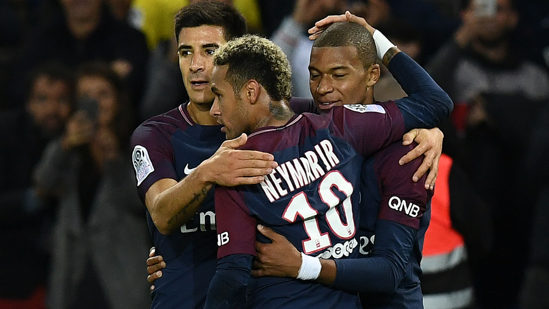 Kylian Mbappe Yuri Berchiche Neymar PSG Lyon Ligue 1 17092017