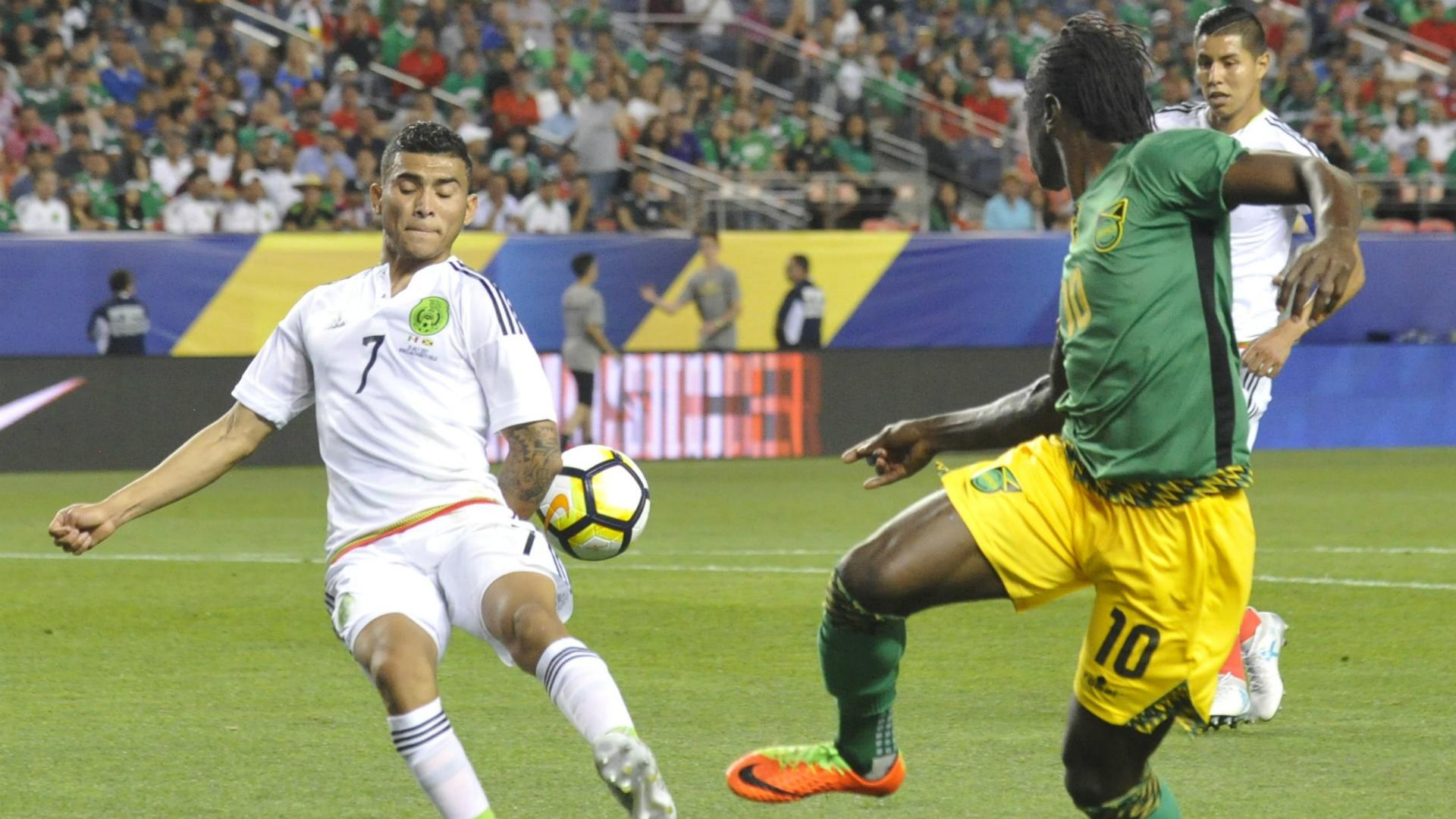 Estados Unidos pasa a semifinales tras ganar 2 - 0 contra El Salvador