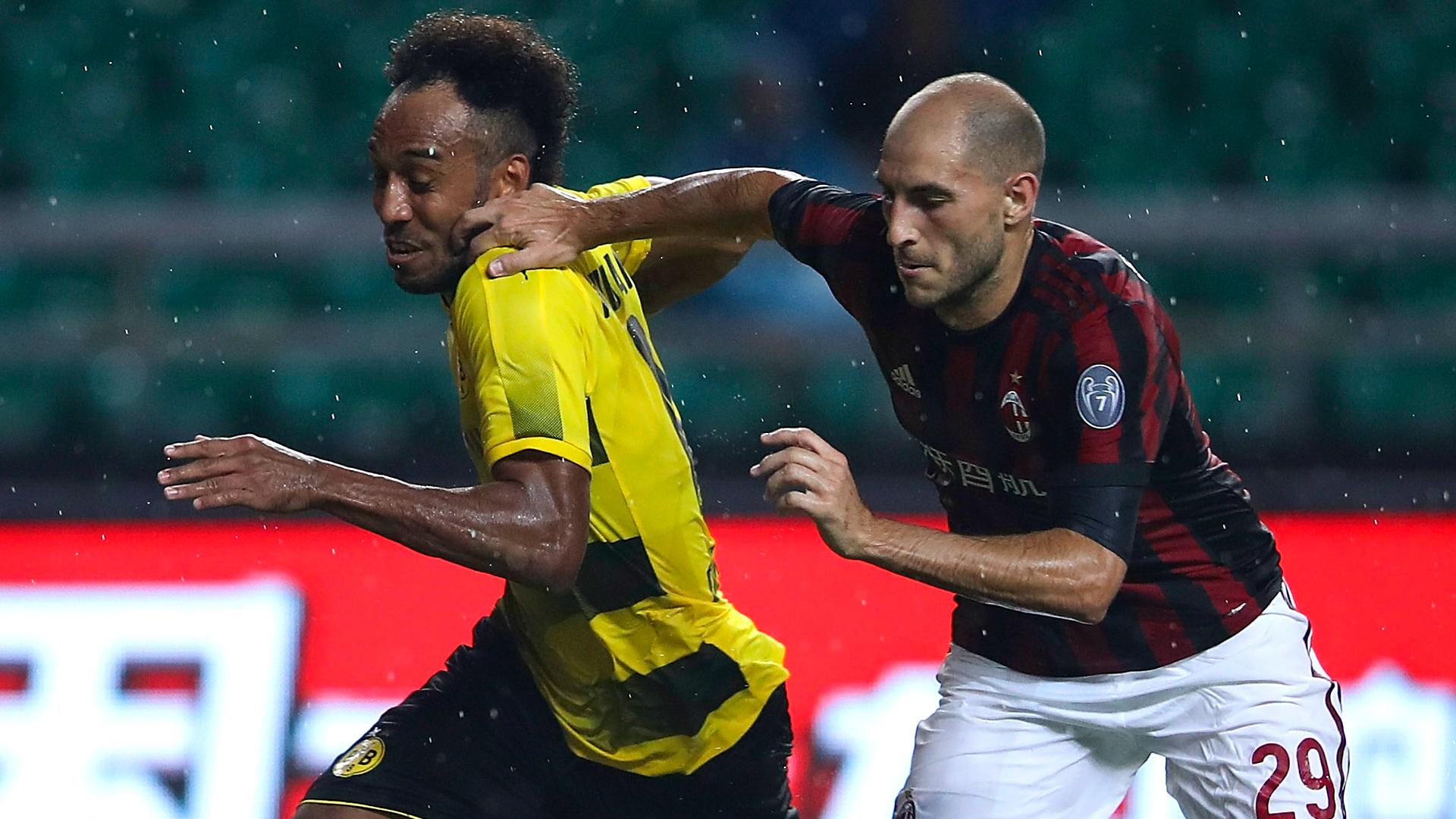 Paletta Aubameyang Milan Borussia Dortmund