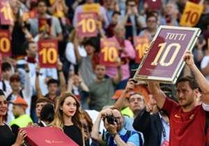 Francesco Totti a disputé dimanche son dernier match avec la Roma. Un ultime rendez-vous riche en émotions.