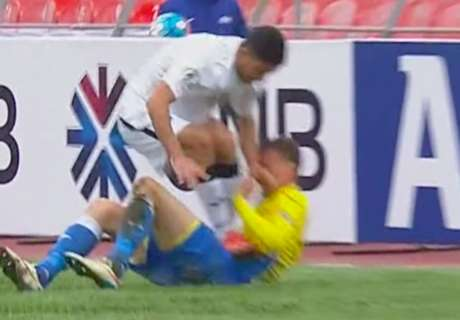 WATCH: Ahmedov's two-footed stamp