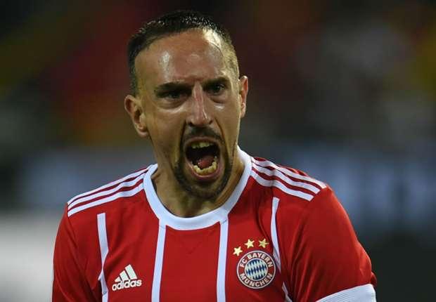 Franck Ribery je bacio dres prilikom izlaska s terena u 77. minuti