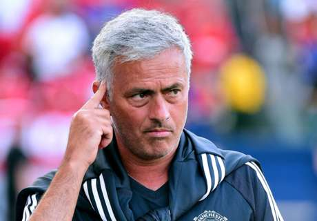Mourinho hints at copying Chelsea