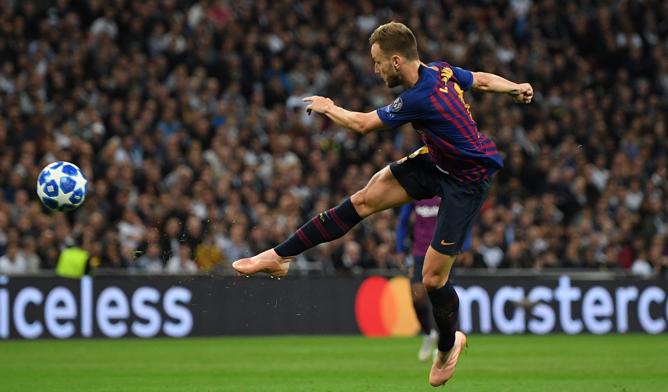 2018-19 UEFA Champions League: Best goals of the season