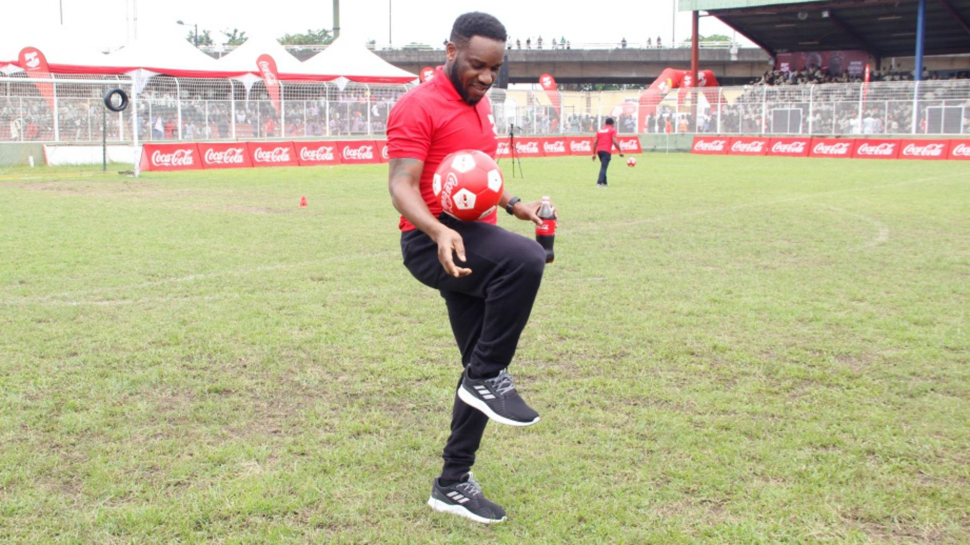 Jay Jay Okocha showing skills during Dare The COPA legends Stunt