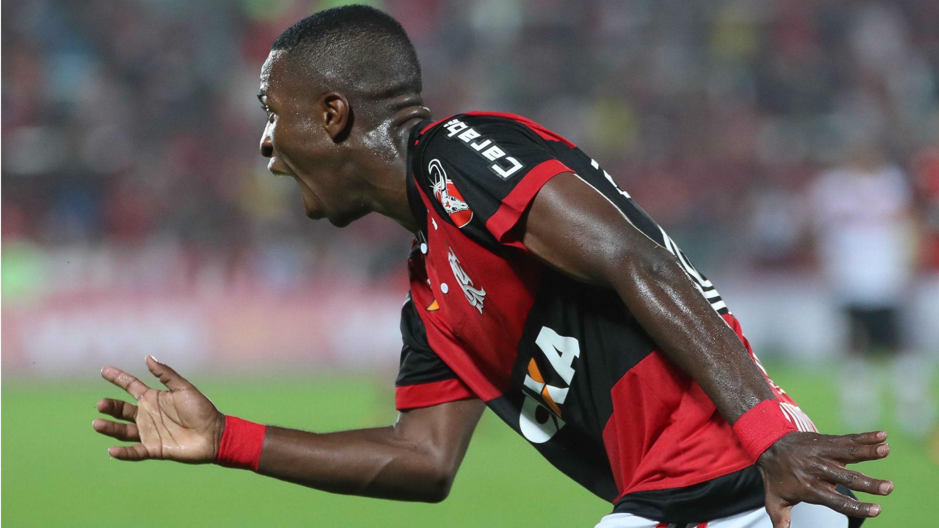 Vinícius Jr Flamengo Atlético-GO Brasileirão 19 08 2017