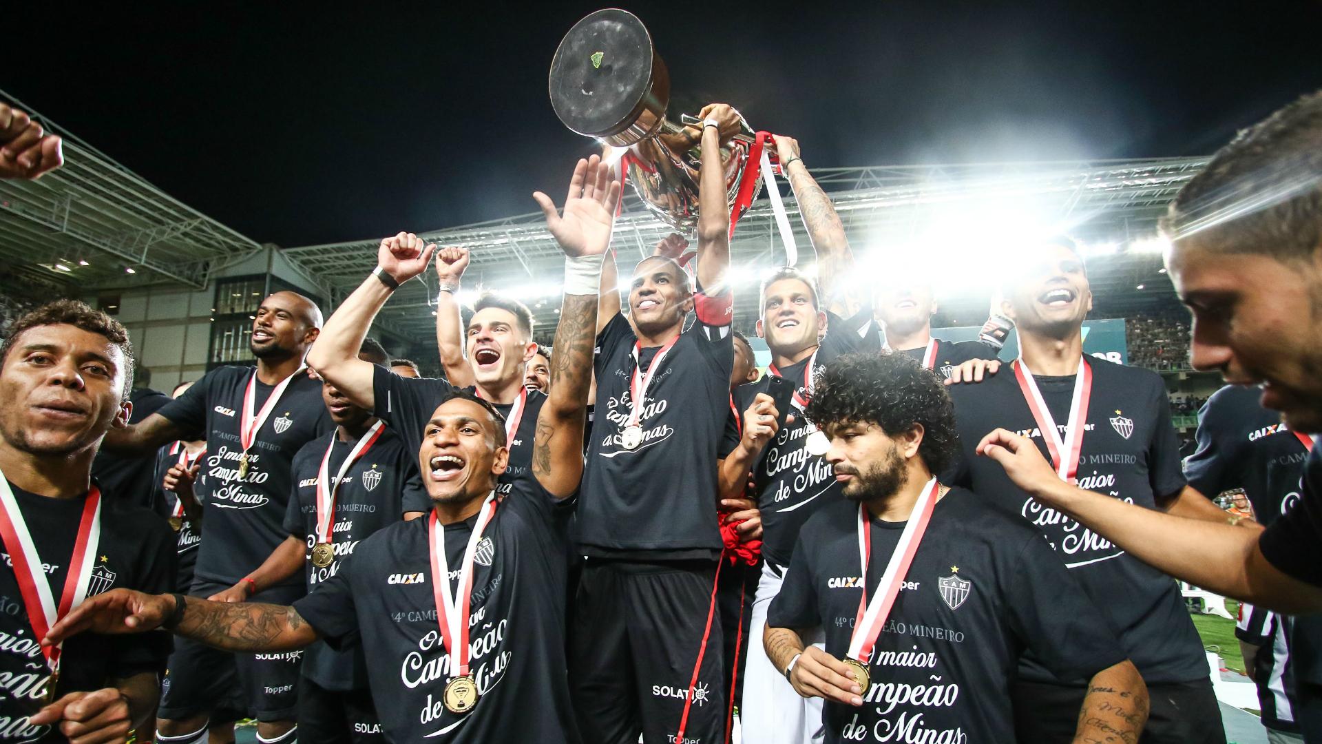 Flamengo x Atlético e Corinthians x Chapecoense abrem hoje Brasileirão 2017