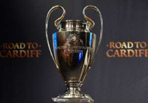 Dua kompetisi antarklub Eropa, Liga Champions dan Liga Europa, telah menuntaskan babak perempat-final. Klub mana saja yang berhasil menembus semi-final dan mempertahankan peluang mengangkat trofi di dua kejuaraan tersebut? Simak selengkapnya di sini, d...