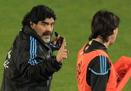 Maradona quer treinar Argentina em 2018