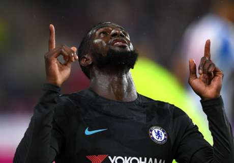 Chelsea bounce back with win over Huddersfield