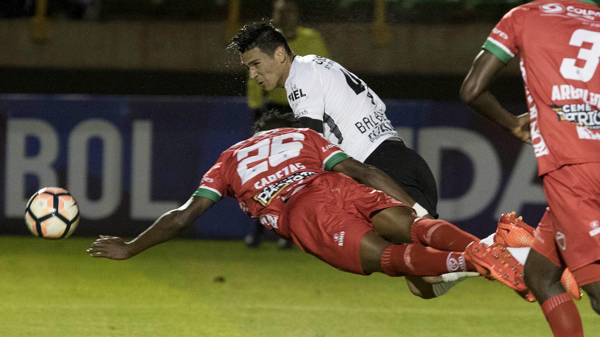 Fabian Balbuena Patriotas Corinthians Copa Sudamericana 28062017